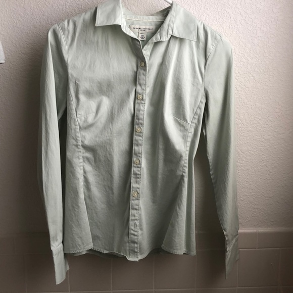 d07c2ec7 Banana Republic Tops | Fitted Button Down Shirt | Poshmark